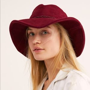 Free People Accessories - 🆕 FP Suede Hat